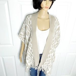 Old Navy Sweaters - 🌸 Comfy OLD NAVY Tribal Print Cotton Poncho Med